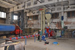 Briquetting plant machine